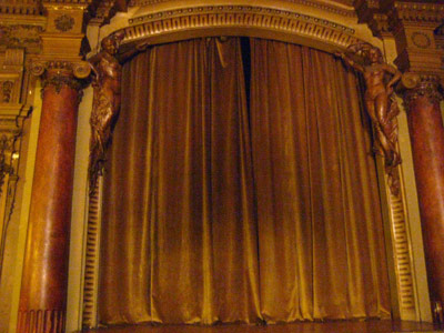 20090225000559-teatro-opti.jpg