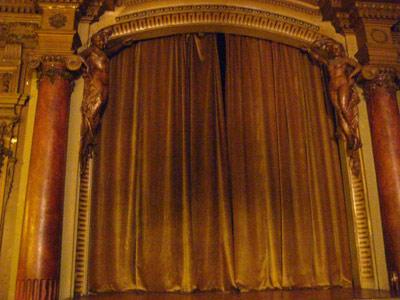 20090225000559-teatro-opti.jpg
